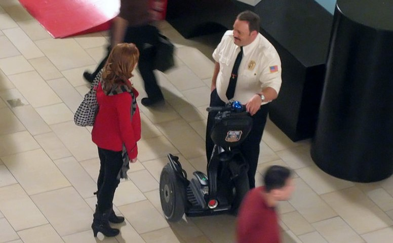 Kevin-james-at-set-burlington-mall.jpg