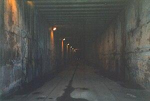 Kingsway tramway subway - Interior of subway, looking south (April 2004).