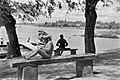 Kislány a padon, 1959. Fortepan 20326.jpg