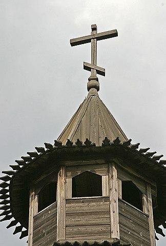 File:Kolomenskoe Gateway Tower Top.hires.jpg