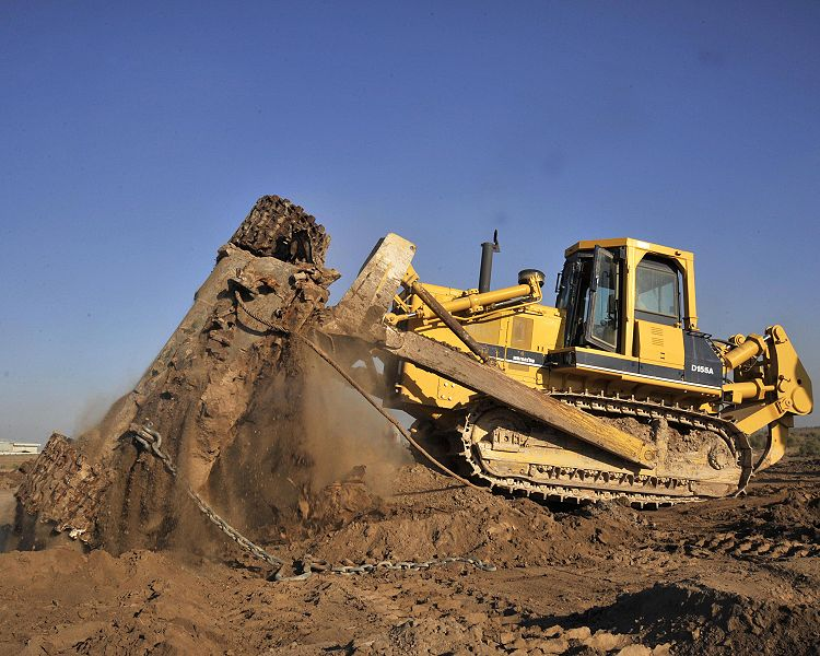 File:Komatsu bulldozer.jpg