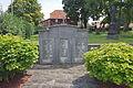 Kriegerdenkmal in Wehmingen (Sehnde) IMG 8245.jpg