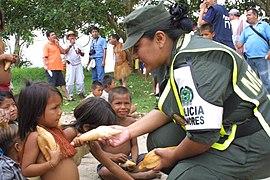 La mujer en la Policía Nacional (5513942838).jpg