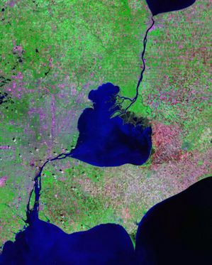 St. Clair River - Landsat satellite photo, showing Lake Saint Clair (center), as well as St. Clair River connecting it to Lake Huron (to the North) and Detroit River connecting it to Lake Erie (to the South)