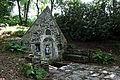 Lampaul-Guimiliau - Fontaine Sainte-Anasthasie - 005.jpg