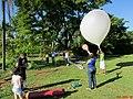 Lançamento do Balão Estratosférico do Projeto Estratos no antigo Thermas de Pitangueiras. A sonda foi batizada de Estratolab 3 subiu 28 km até a estratosfera, registrando a temperatura mínima de - panoramio.jpg