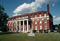 Lawrence County Mississippi Courthouse.jpg
