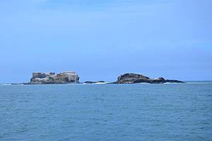 Lawrence Rocks - Image taken aboard Southern Explorer of Lawrence Rocks rocky islets in Western Victoria.