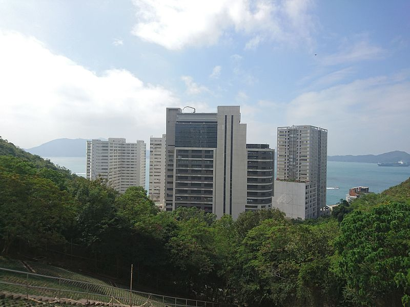 File:Lee Nam Road Industrial Area viewed from Lei Tung Estate.jpg