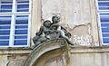 Luštěnice castle, left statue.jpg
