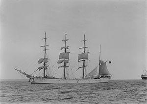 Lucipara (ship, 1885) - SLV H91.250-592.jpg