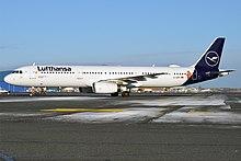 Lufthansa (Die Maus sticker), D-AIRY, Airbus A321-131 (32682770887) .jpg