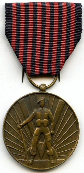 Volunteer's Medal 1940–1945 - Image: Médaille du Volontaire 1940 1945 Belgique