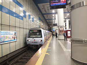 M2_at_Levent_station