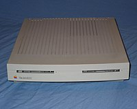 Macintosh LC (original) - front.jpg