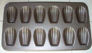 Madeleine (cake) - Madeleine pan