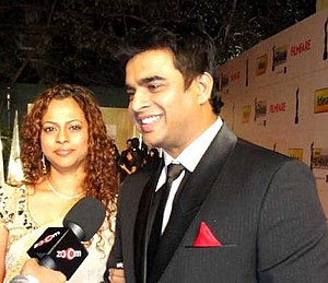 R. Madhavan - Madhavan seen with his wife, Sarita, at the Filmfare Awards ceremony in 2011