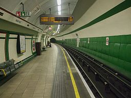 Maida Vale stn southbound look north