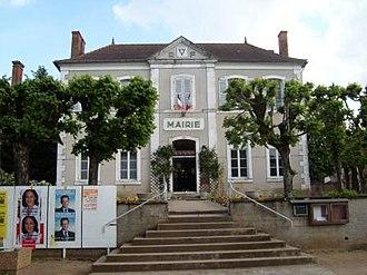 Ainay-le-Château - Town hall