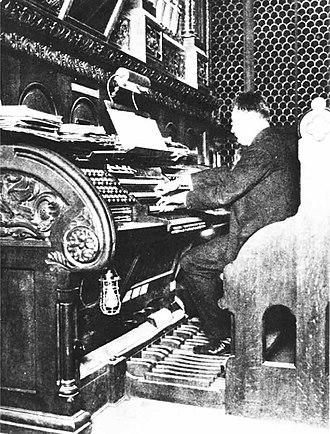 52 chorale preludes, Op. 67 - Reger playing the Sauer organ in the Kaiser-Wilhelm-Gedächtniskirche, Berlin
