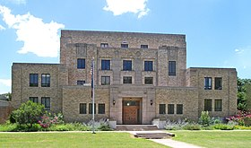 Menard county courthouse 2010.jpg