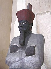 Montouhotep II sous l'aspect du dieu Osiris