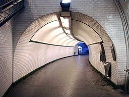Metro de Paris - Ligne 3 bis - Gambetta 09