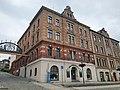 Mietshaus in Ecklage und in halboffener Bebauung Rathausstraße 1.jpg
