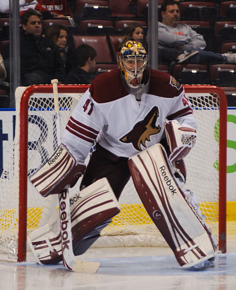 File:Mike Smith Coyotes.jpg