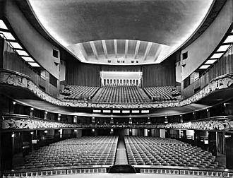 Teatro Lirico (Milan) - Interior of the Teatro Lirico in 1938, after the restoration of Antonio Cassi Ramelli