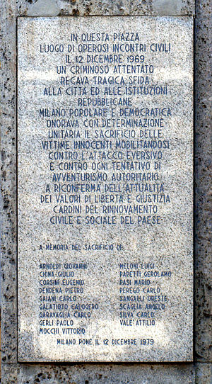 United States and state-sponsored terrorism - Plaque in memory of the 17 victims of the terrorist bombing in Piazza Fontana