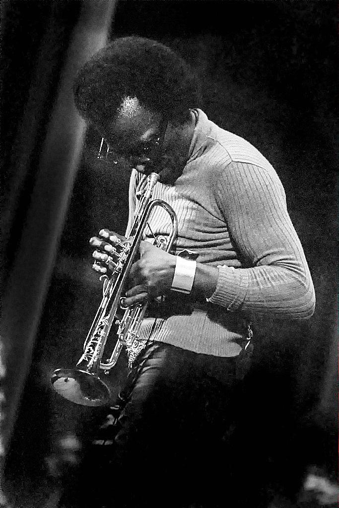 Miles Davis-140916-0016-103WPA