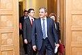 Ministru prezidents Valdis Dombrovskis tiekas ar Francijas satiksmes ministru Tjerī Mariāni (6748207301).jpg