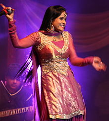 Miss Pooja @ Canada's Wonderland (2009-08-29).jpg