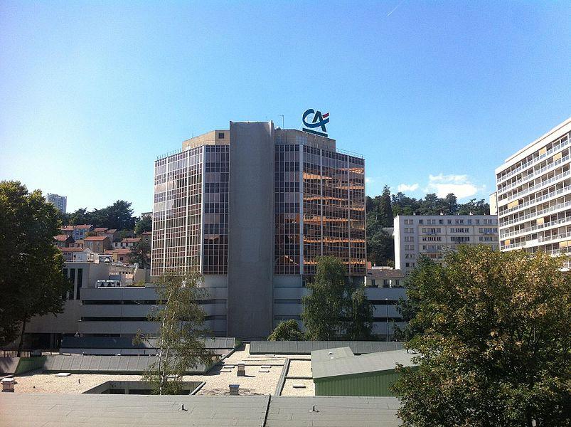 Le plus grand bâtiment entièrement consacré aux bureaux de crédits agricole(logo sur le bâtiment en haut)