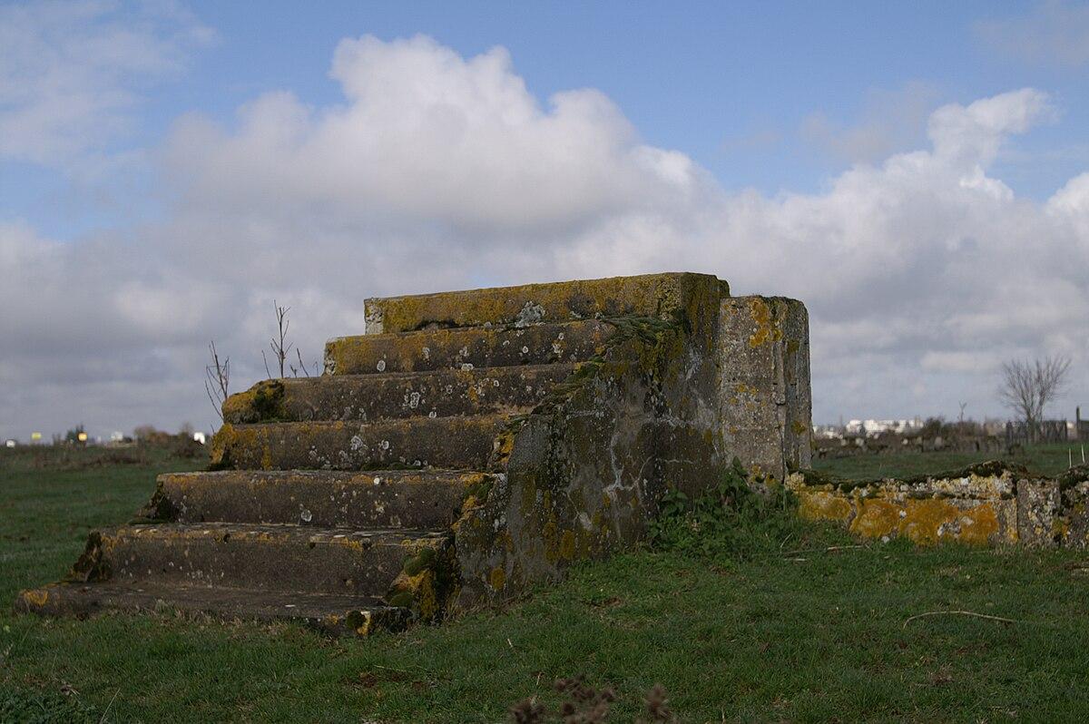 Camp de concentration de Montreuil-Bellay — Wikipédia