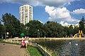 Moscow, Lianozovo Park - ponds (30799281124).jpg