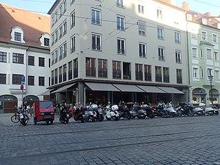 Motorradparkplatz Augsburg Maximilianstraße vor Haus-Nr. 43