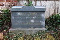 Muenchen Alter Suedfriedhof Grab Alois und Caroline von Brinz 01.JPG