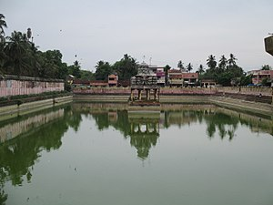 Nachiyar Koil - The temple tank adjacent to the temple