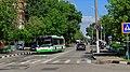 Nagatinsky Zaton YakornayaStreet with bus 05-2015.jpg