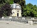 Noisiel (77), parc de Noisiel, grille d'entrée, pavillon de garde 1.jpg