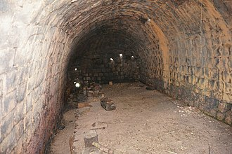 Karatsu ware - Old Yokomakura jar climbing kiln fourth chamber, in Karatsu
