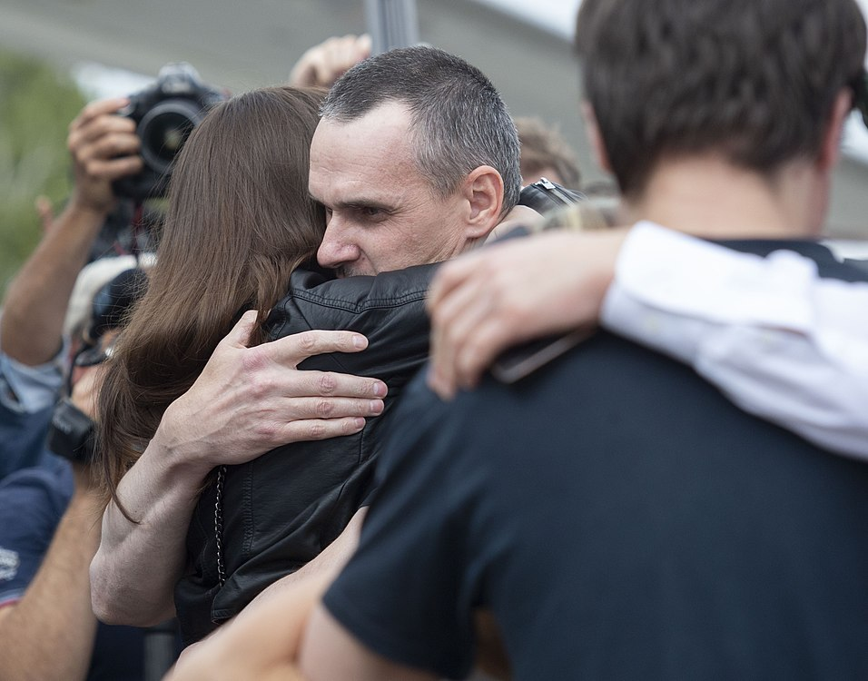 Oleh Sentsov return 03.jpg