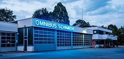 Omnibus Schnaith in Tübingen zur blauen Stunde.jpg