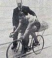 Oscar Egg et son vélo-fusée, en 1913.jpg