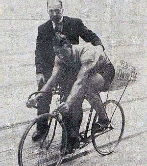 Oscar Egg - Egg on his so-called rocket-bike