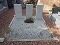Oxelaëre (Nord, Fr) tombes de guerre, CWGC.JPG
