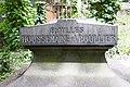 Père-Lachaise - Division 10 - Houssemaine-Boullier 03.jpg