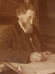 P.V.Jensen Klint at desk.jpg